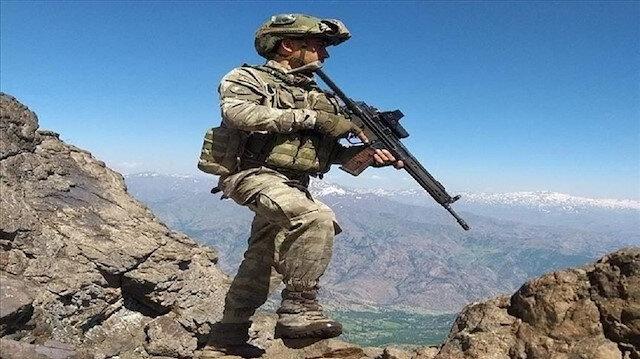 قوات تركية تدمر مواقع لإرهابيي
