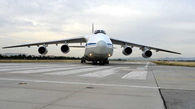 S-400 parçalarını taşıyan Rus uçağı iniş yaptı.