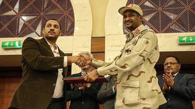 الفرقاء السودانيون يوقعون الاتفاق السياسي للمرحلة الانتقالية