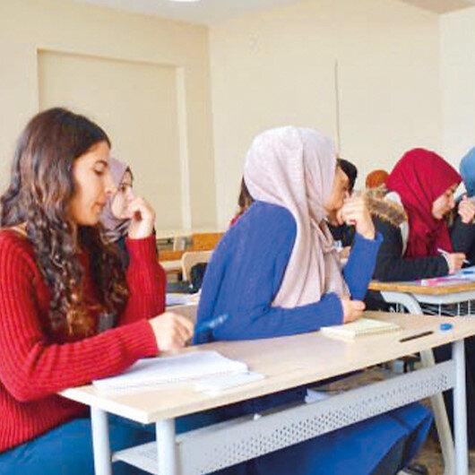 490 bin öğrenciye ücretsiz kurs