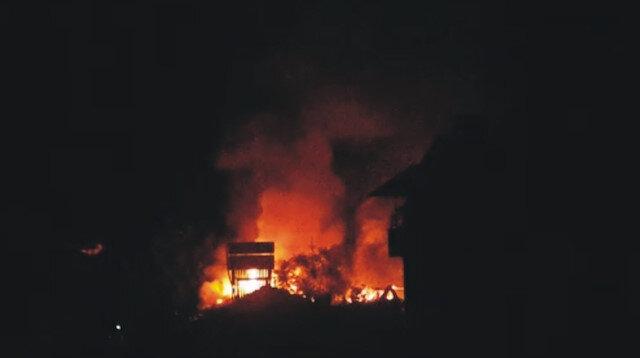 Tüp patladı, 4 ev alev alev böyle yandı