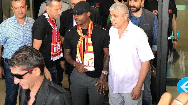 Jean Michael Seri resmen Galatasaray'da