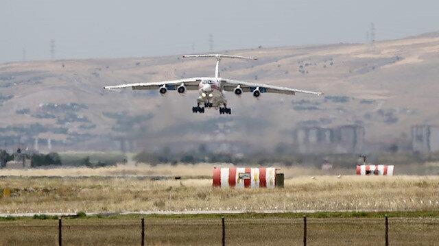 وصول الطائرة الـ15 ضمن شحن معدّات منظومة إس-400 الروسية لأنقرة