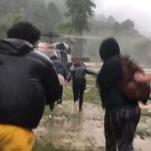 Düzce'de su baskını ve toprak kayması: Mahsur kalanlar var