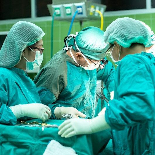 Ameliyattan çıktı İngilizce konuşmaya başladı