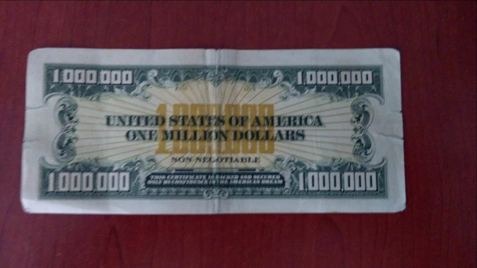 Uşak'ta 1 milyon dolarlık banknot ele geçirildin