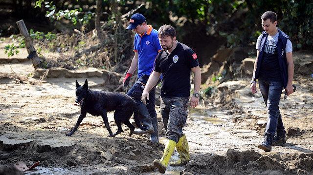 Düzce'deki su baskını ve toprak kaymasında arama çalışmaları devam ediyor.