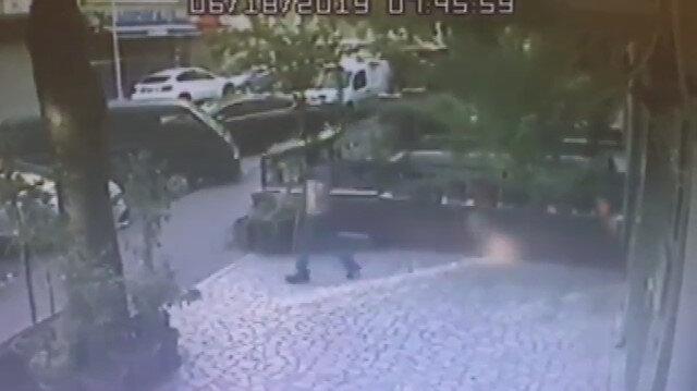 Fatih'te işyerinden televizyon çalan hırsızlar.