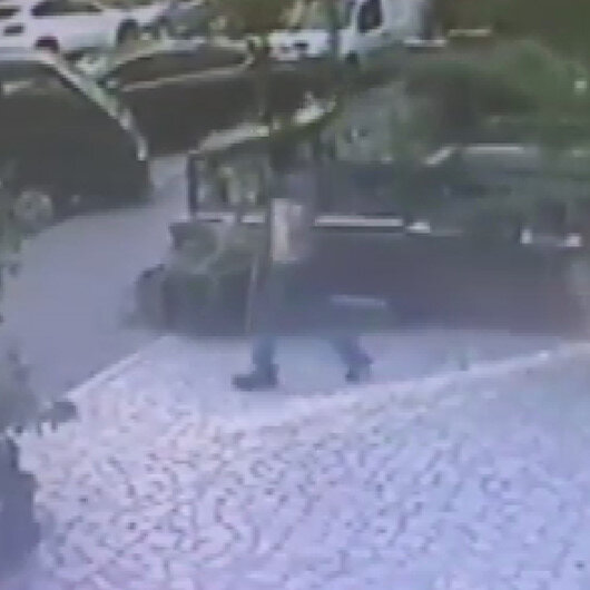 10 gün arayla soyduğu işyerindeki televizyonu başının üstünde taşıyarak kaçtı