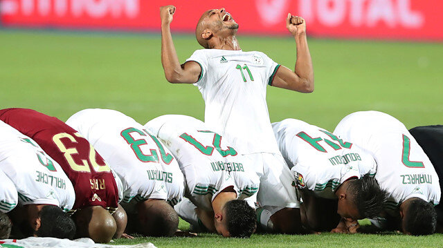 Yacine Brahimi Katar takımına transfer oldu