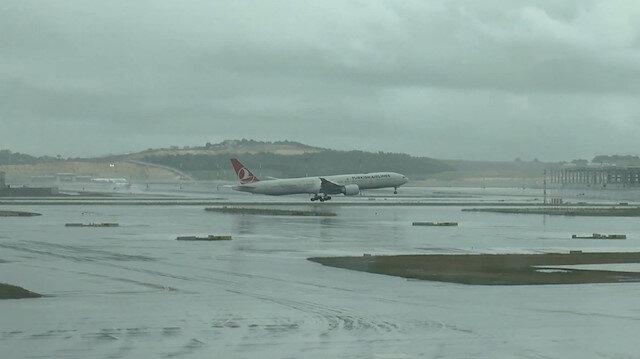 Hakan Atillayı taşıyan uçak İstanbula indi