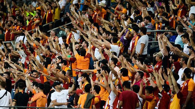 Gurbetçi taraftarlar Galatasaray maçına yoğun ilgi gösterdi.