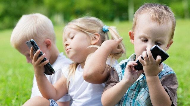 Amerikan Pediatri Birliğine göre teknolojinin 3 yaş öncesi çocuklar için hiç faydası olmadığını belirtildi.