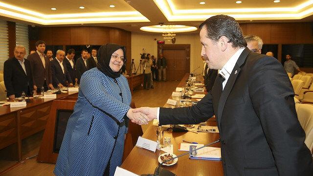 Aile Çalışma ve Sosyal Hizmetler Bakanı Zehra Zümrüt Selçuk ve Memur-Sen Genel Başkanı Ali Yalçın açıklama yaptı.