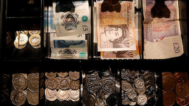 Pound sinks to fresh low against dollar amid no-deal Brexit fears