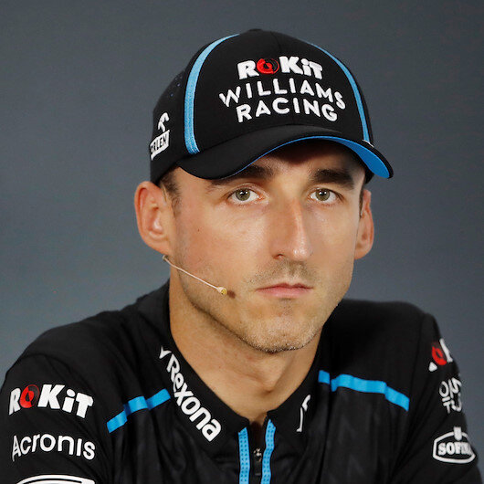 Motor racing-Kubica pulls in the Polish fans for Hungary 'home' race