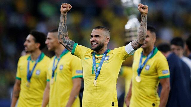 Dani Alves'in yeni takımı belli oldu