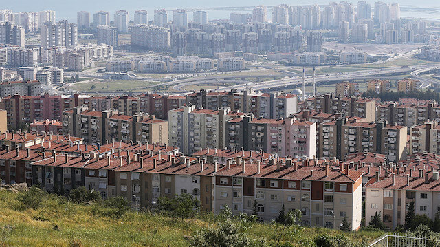Yılın ilk yarısında 19 bin 952 adet konut edinen yabancıların toplam ev satışlarından aldığı pay yüzde 3,94'e çıktı.