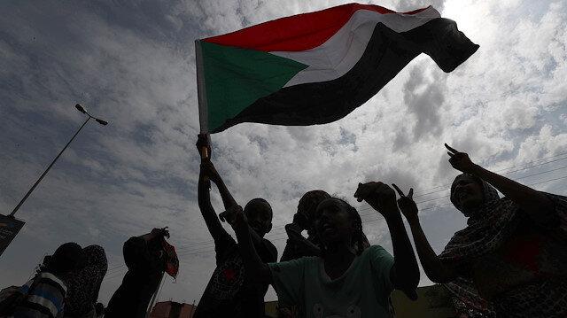 Sudan bayrağı.