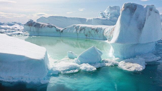 Ohio Üniversitesinden bilim adamlarının ocak ayında yayımladığı araştırma, Grönland'daki erimenin 2013'te 2003'e göre 4 katına çıktığını ortaya koymuştu.