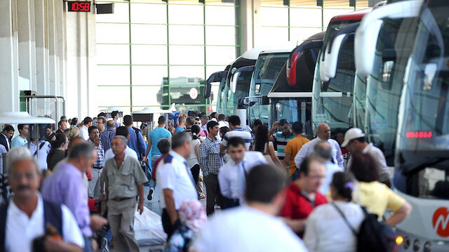 Otobüs biletleri tükendi: Ek seferler de doluyor