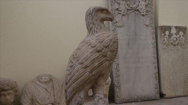 Kınık Höyük'te kartal heykelleri bulundu