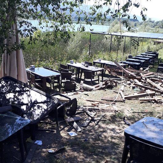 Restorana patlayıcı attılar