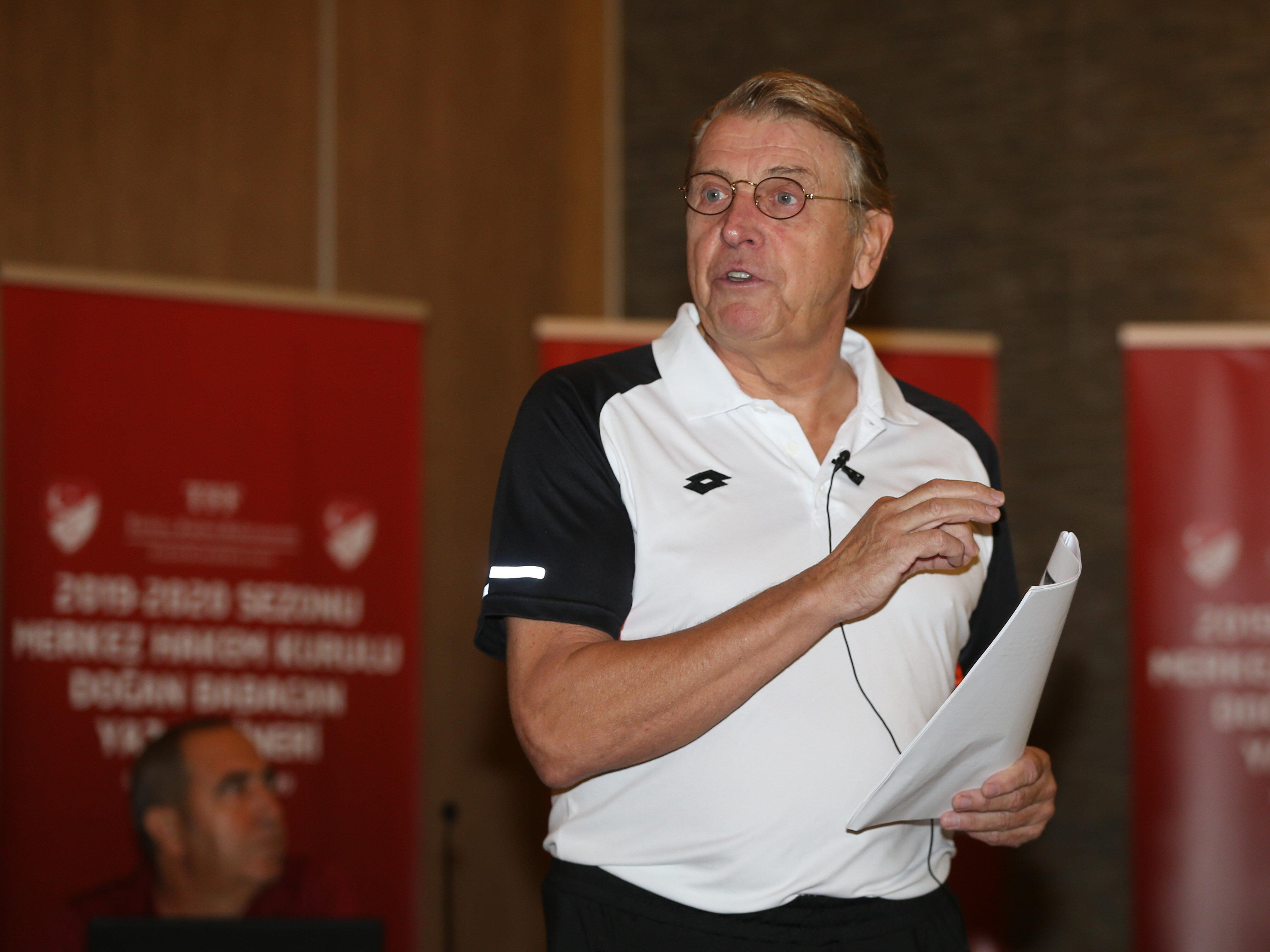 MHK Eğitim Danışmanı Jaap Uilenberg oyun kurallarındaki değişiklikleri anlattı