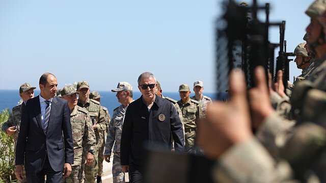 Milli Savunma Bakanı Hulusi Akar, KKTC'ne ziyaret gerçekleştirdi.