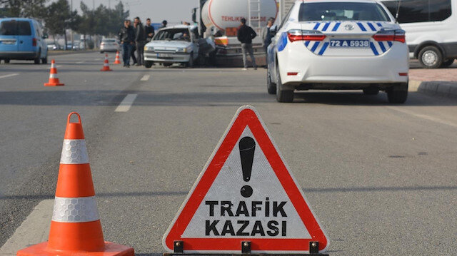 İstanbul'da dolmuş takla attı: Çok sayıda yaralı var