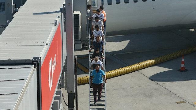 وصول البحارة الأتراك المفرج عنهم إلى إسطنبول