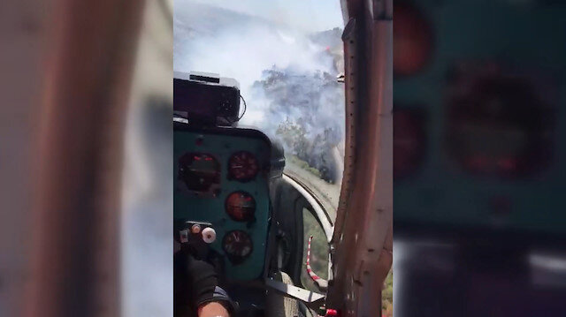 Yangın söndürme helikopterinden alevlere müdahale anları