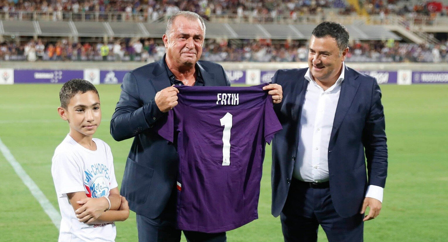 Fatih Terim, Fiorentina maçı öncesinde taraftarlarla buluştu.
