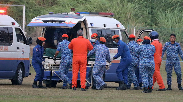 A body believed to be 15-year-old Irish girl Nora Anne Quoirin who went missing is brought into a ambulance in Seremban, Malaysia, August 13, 2019. REUTERS/Lim Huey Teng