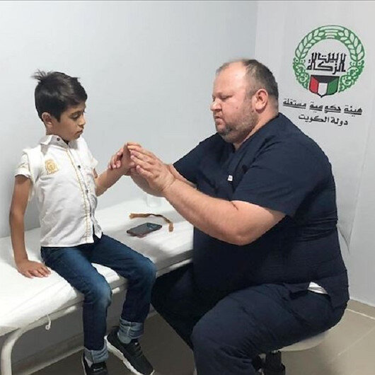 Turkey: Handicapped Syrian boy receives prosthetic hand