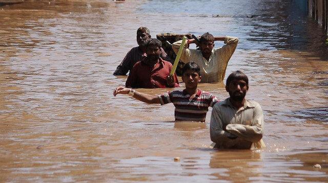Hindistan'da sel felaketi: Ölü sayısı 282'ye çıktı