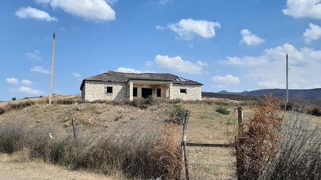 Ermenilerin saldırdığı bir okul.