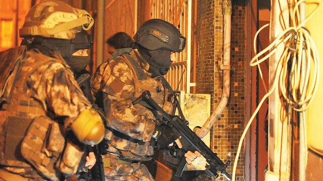 Bursa'da sosyal medya üzerinden terör örgütü PKK/KCK propagandası yaptıkları iddiasıyla 7 şüpheli yakalandı.
