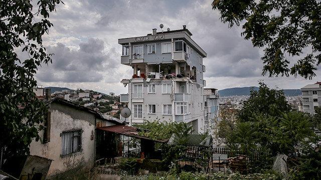 İstanbul'da korkutan patlama: Duvarlar çöktü