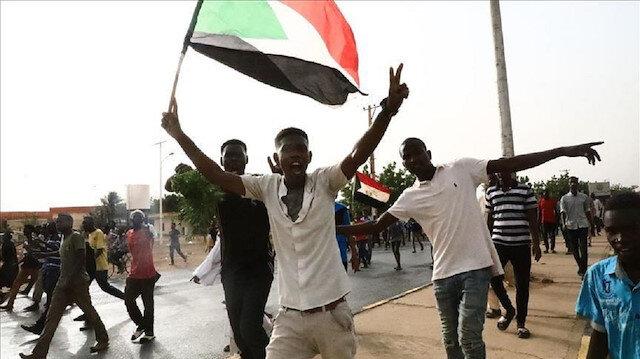 الجبهة الثورية تقاطع احتفال