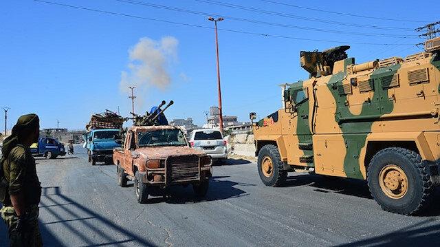 قصف جوي يستهدف رتلًا تركيًّا عسكريًّا في إدلب والدفاع التركية تعلق