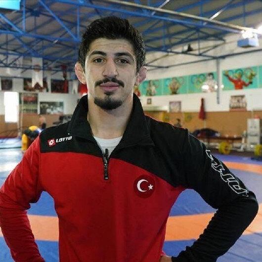 مصارع تركي يتوج ببطولة العالم للشباب وزن 60 كغ