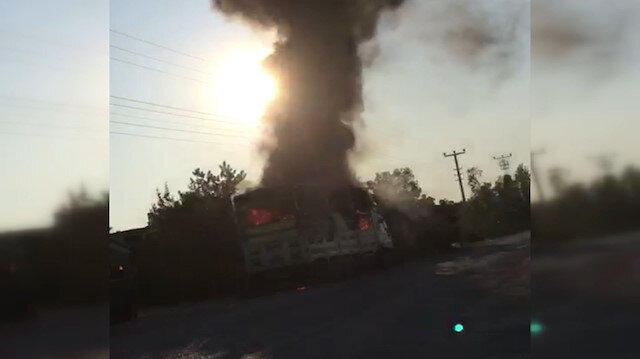 Kaynak yapılan kamyon alev alev yandı