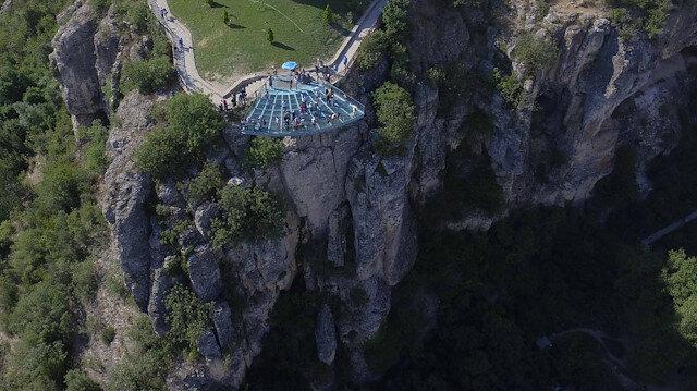 """""""الشرفة الزجاجية"""" في تركيا تستقبل 25 ألف زائر في الأضحى"""