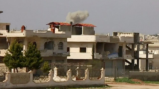Heavy smoke rises from a building after an air strike on location targeted by government forces, in Khan Sheikhoun, Idlib, Syria February 26, 2019, in this still image taken from video. ReutersTV/