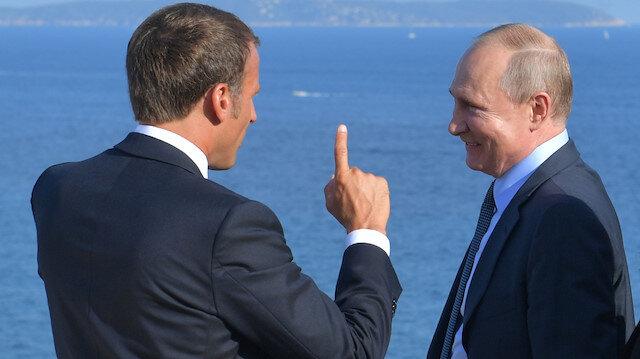 Rusya Devlet Başkanı Vladimir Putin ile Fransa Cumhurbaşkanı Emmanuel Macron.