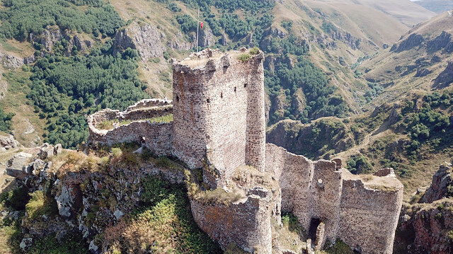 """""""قلعة الشيطان"""".. فتنة السائحين بتركيا"""