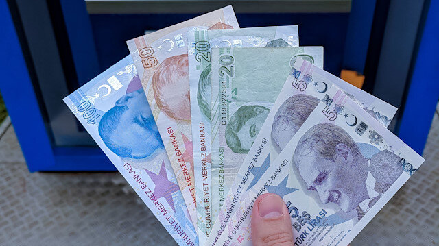 Foto/arşiv: ATM'den para çekme.