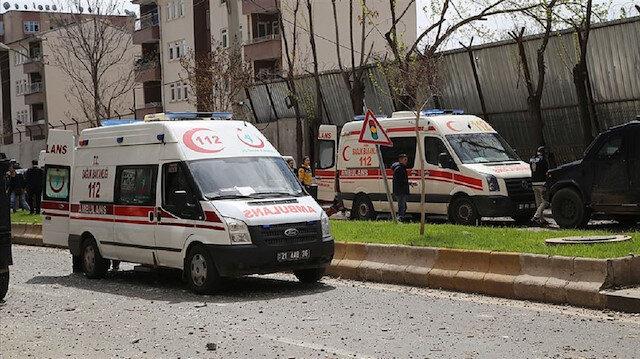 Diyarbakır'da 3 aile arasında kız isteme nedeniyle çatışma çıktı.