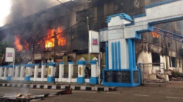 Endonezya'da 258 mahkum firar etti